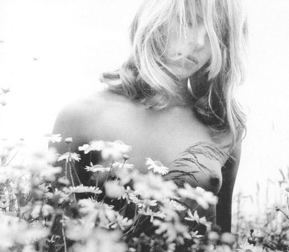 «Цветы среди цветов» Римантаса Дихавичюса – первые фотографии ню в СССР 9
