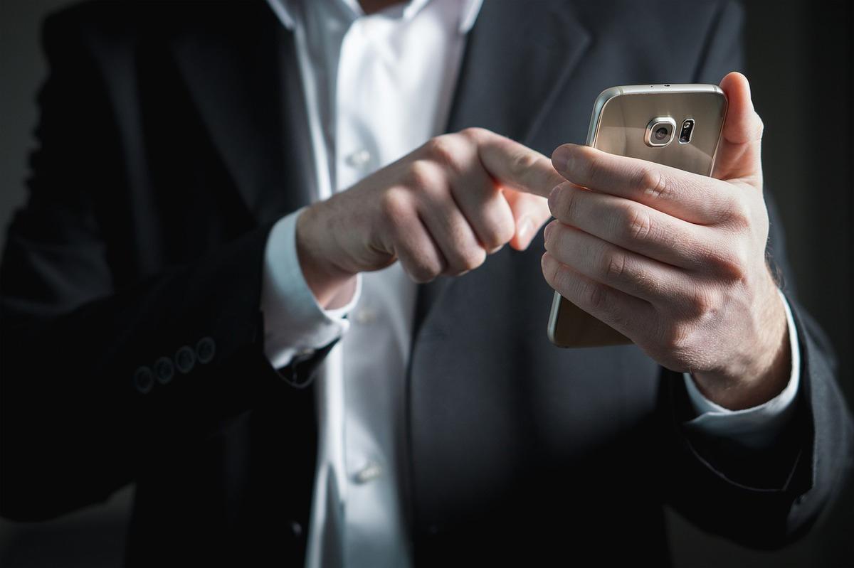 Россияне смогут удалять предустановленные мобильные приложения