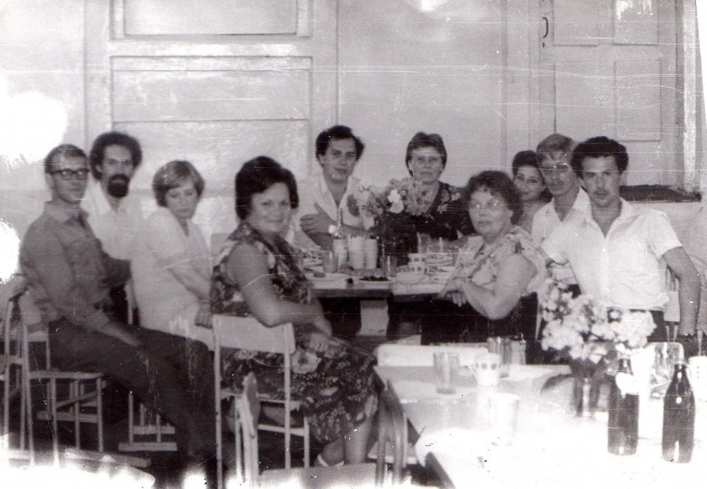 """Встреча выпускников 1973 года! Прошло 10 лет после окончания 2-й школы. """"В"""" класс."""