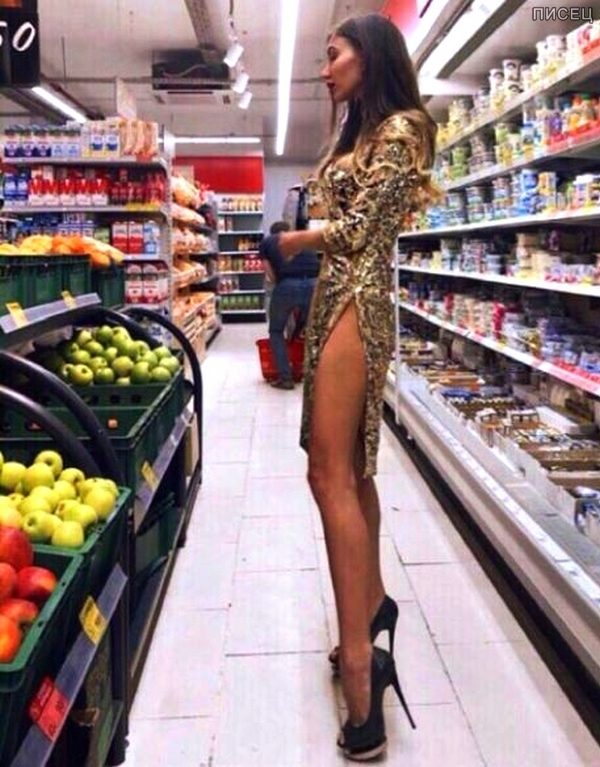 Существует легенда, что есть такие женщины, которые открывая шкаф знают, что наденут  !!