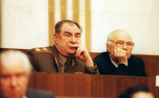 За преступления Горбачева ответят лейтенант и маршал