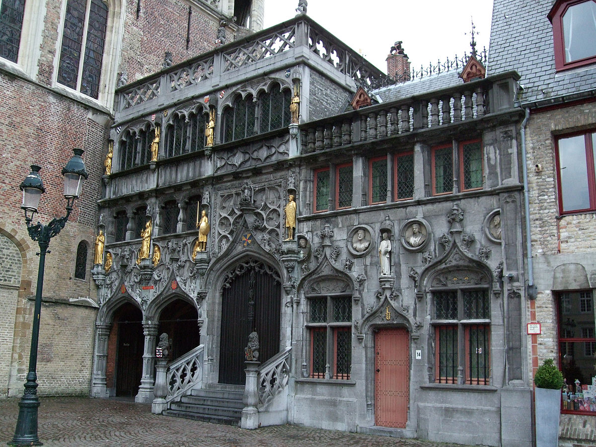 https://upload.wikimedia.org/wikipedia/commons/thumb/6/6e/Basilica_of_the_Holy_Blood_-_Saint-Baselius_Chapel%2C_Bruges%2C_Belgium..jpg/1200px-Basilica_of_the_Holy_Blood_-_Saint-Baselius_Chapel%2C_Bruges%2C_Belgium..jpg