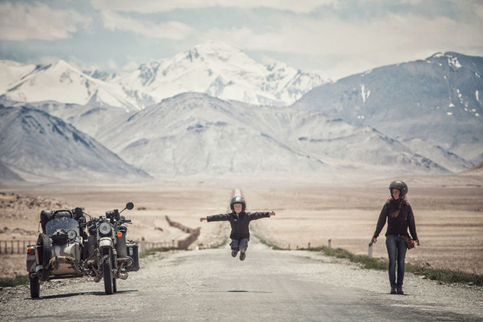 Из Европы в Монголию: Семья с 4-летним ребёнком проехала на мотоцикле 26 000 км, чтобы увидеть мир