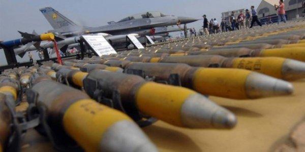 Эксперт: американцы хотят выдавить Россию с рынка вооружений