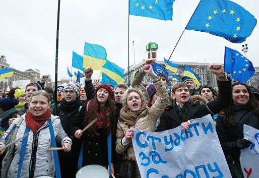 Украинцы ради убежища в Европе выдают себя за геев и коммунистов