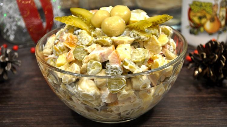 Новогодний салат за 5 минут.…