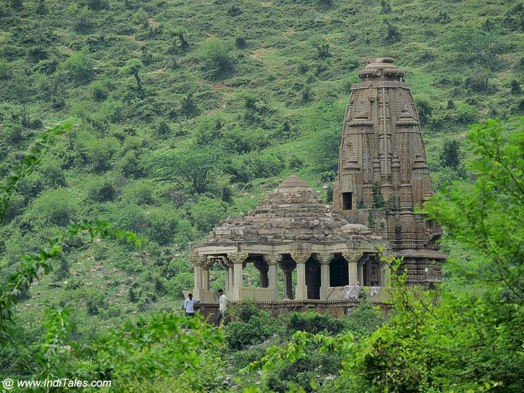 Призраки и мистические легенды заброшенного форта Бхангар