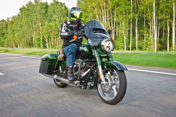 UberHarley — Harley-Davidson FLHRSE5 CVO Road King - Фото 1
