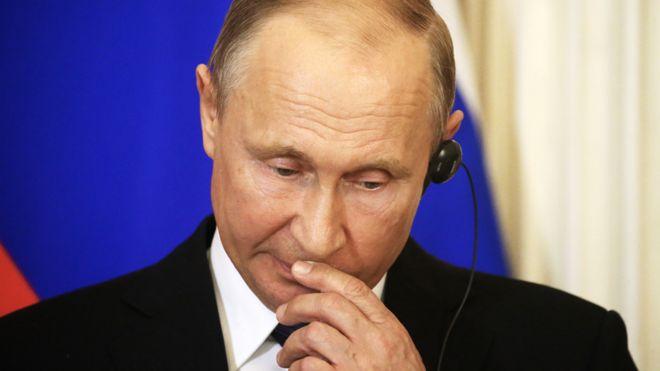 """""""Курск"""", Навальный, пенсии: о чем молчал Путин (BBC)"""