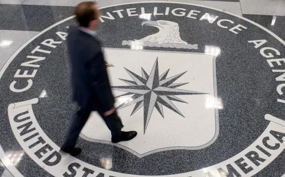 Убьют или отравят: Эксперт посоветовал исповедовшемуся шпиону ЦРУ сидеть в России и помнить Скрипаля