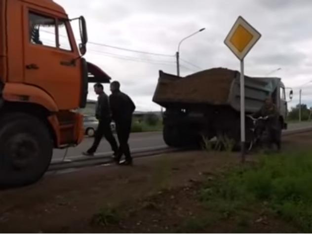 Читинцы заблокировали грузовики, ехавшие спасать загородный дом мэра