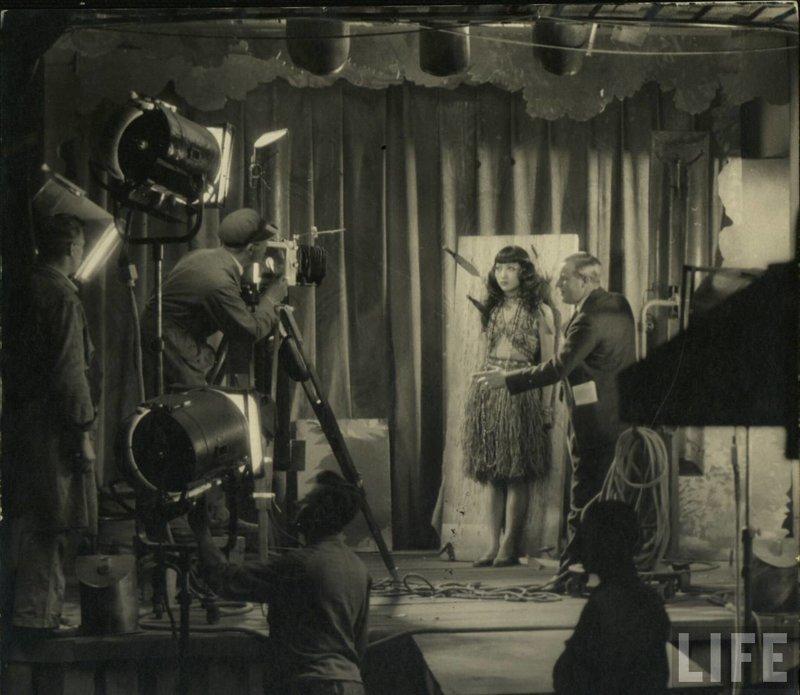 23 редкие фотографии со съёмочных площадок фильмов 1920-х годов