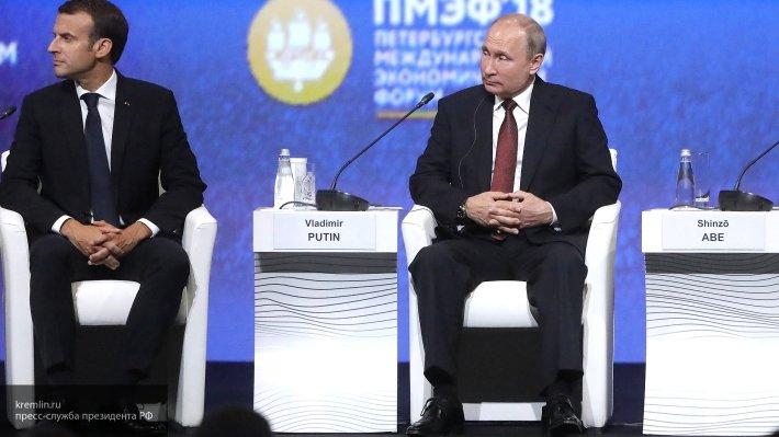 Путин поздравил президента Франции с Днем взятия Бастилии