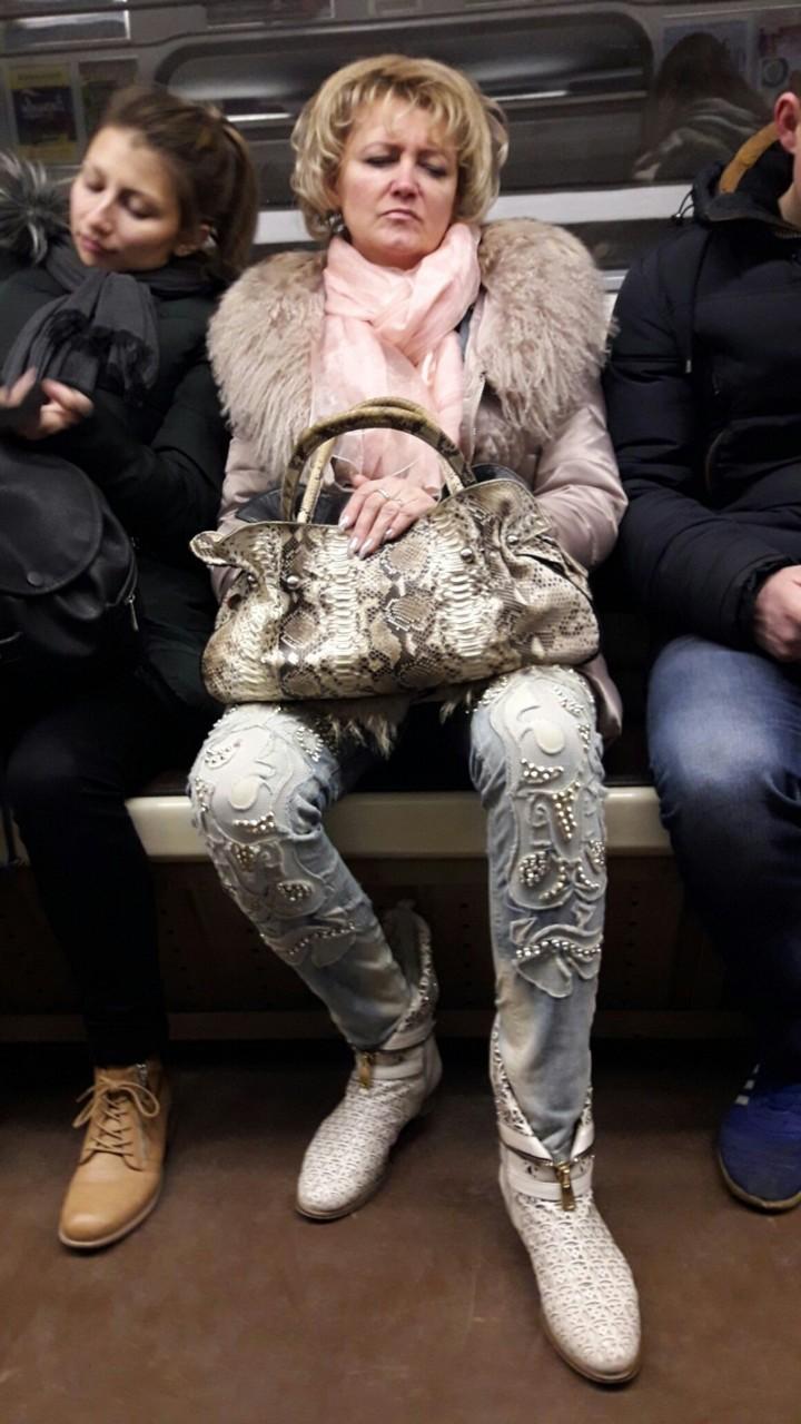 16. Все лучшее всегда носи с собой, или на себе мдники, метро, смешно, фото