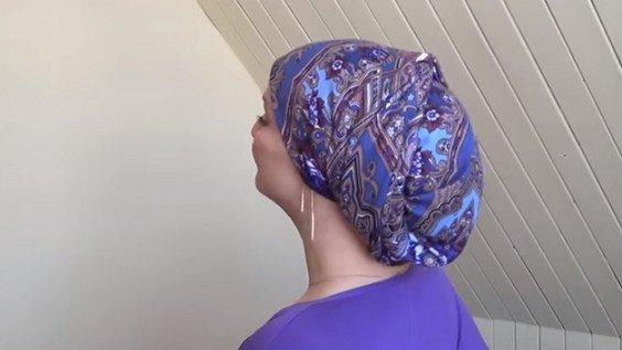 Красиво завязанный платок, это великолепный головной убор