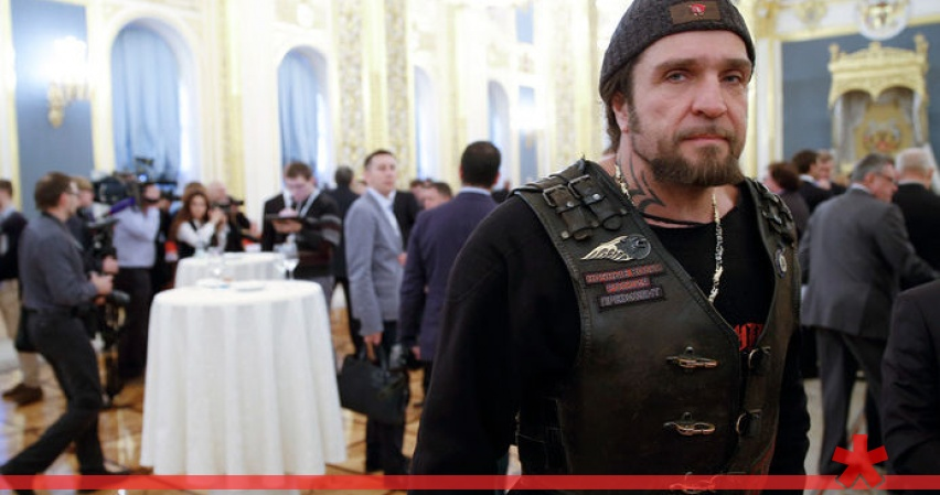Байкер Хирург ударил журналиста Доренко в Кремле
