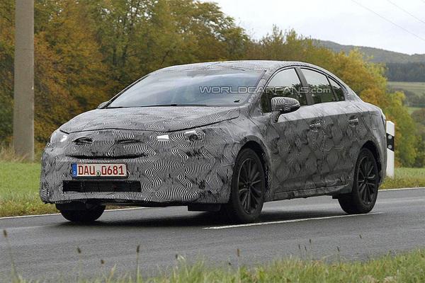Toyota тестирует новое поколение Avensis