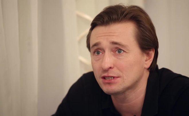Безруков рассказал о мировой русофобии и обратился к власти РФ