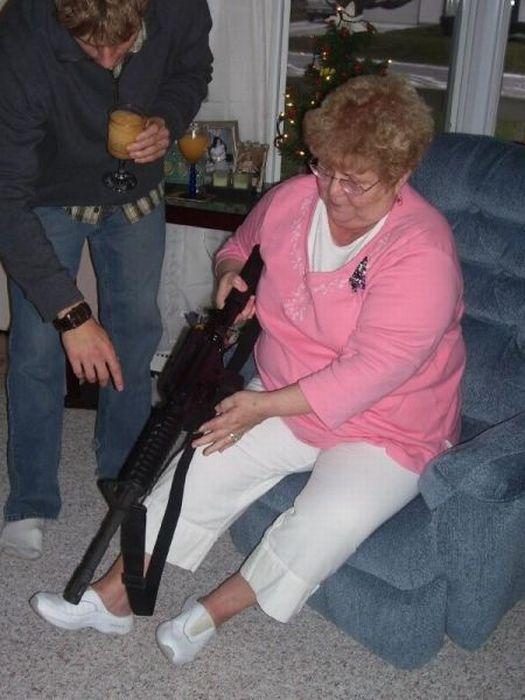 Фото голой пожилой женщины бомжихи 27 фотография