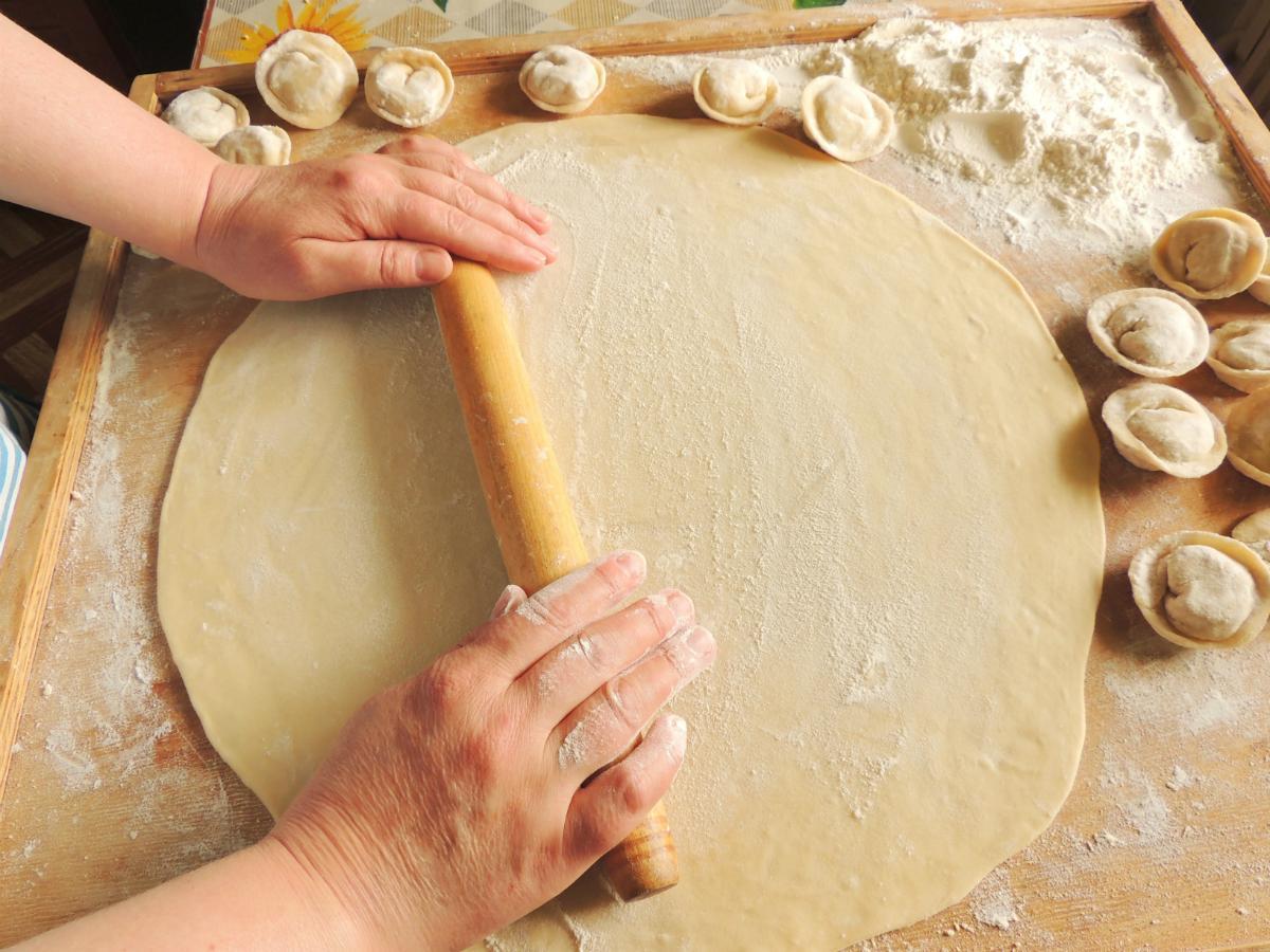 Как сделать тесто для пельменей в домашних условиях