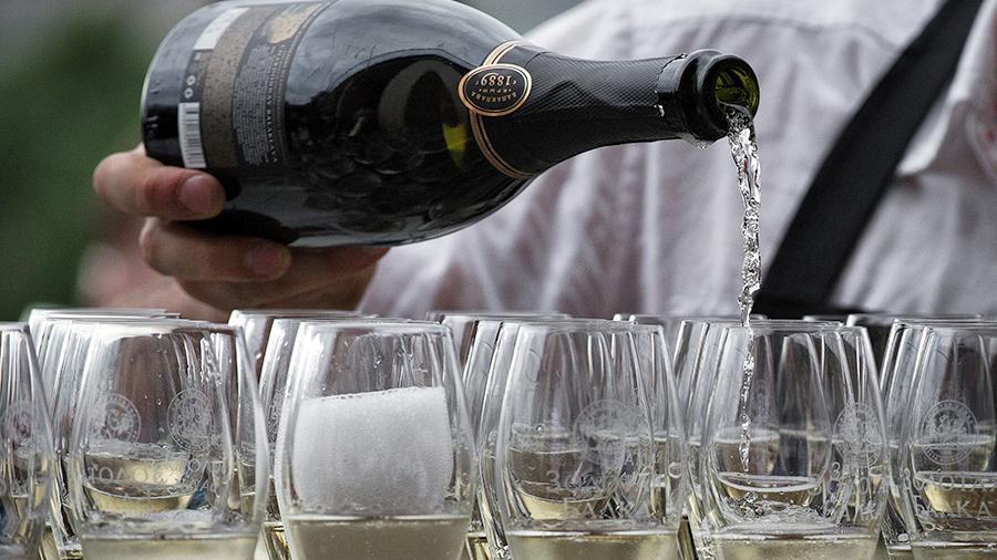 Кубанские и крымские вина по…