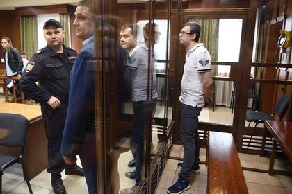 Попавшиеся на взятках офицеры СКР сдали друг друга