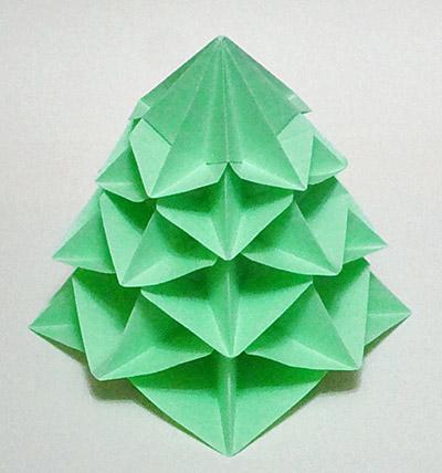 Мастерим ёлочку( оригами)