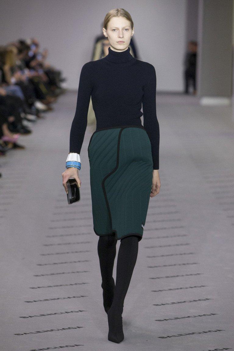 Черный верх - зеленый низ: утепленный вариант от Balenciaga