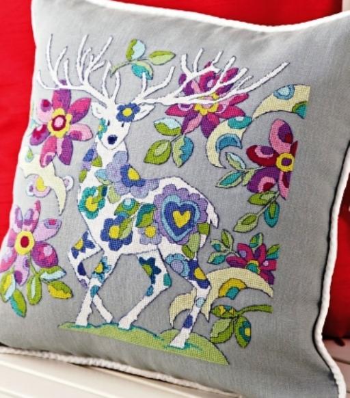 Схемы для вышивки «Цветочный олень». Смотрите, какой он классный на подушке!