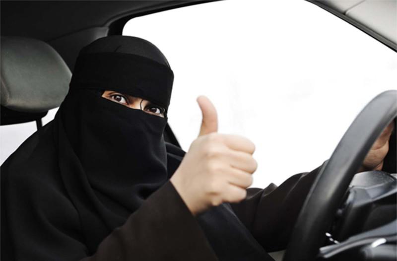 Женщины в Саудовской Аравии теперь у руля