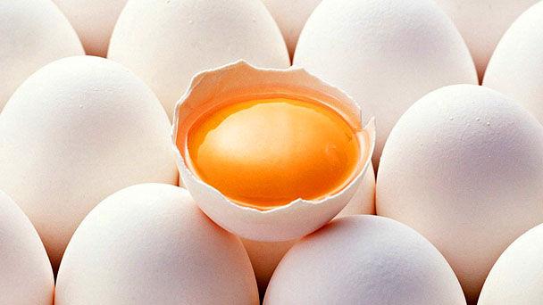 Как отделить желток от белка за 30 секунд