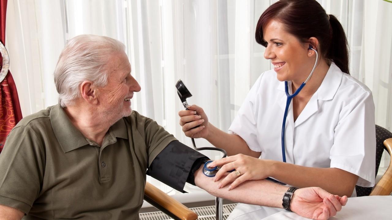 Ультразвук помогает снизить давление на несколько месяцев