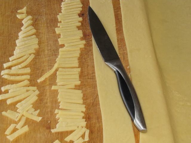 Как сделать домашнюю лапшу пошаговый рецепт
