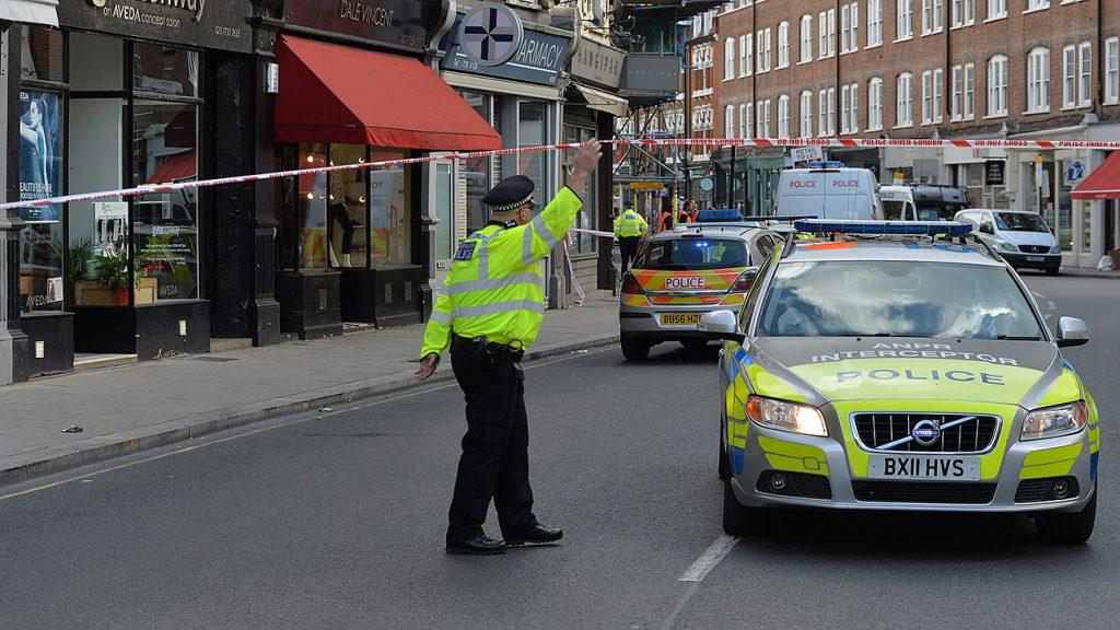 Полиция Лондона расследует инцидент с распылением «вредоносной субстанции»