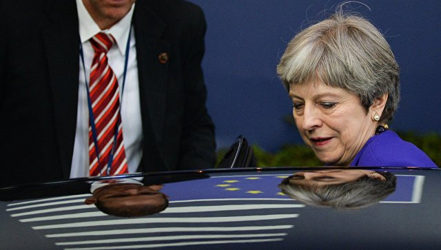 Тереза Мэй угрожает Европе Путиным и требует денег