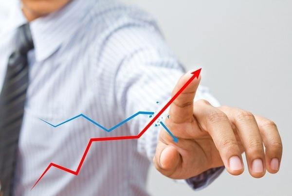 Премьер признал отсутствие стимулов к повышению производительности труда