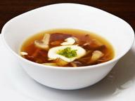 Японский суп с грибами и беконом.