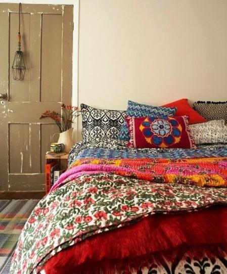 Покрывала и подушки для дачи — 5 хитростей и 10 идей для вдохновения