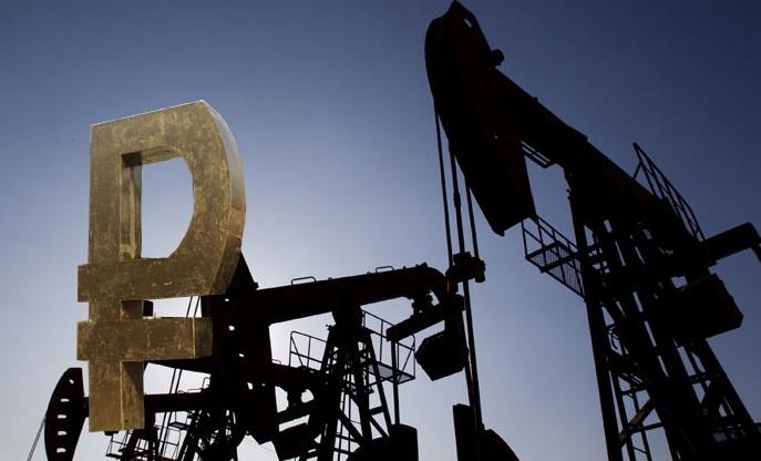 Стабильная нефть выше $60 за баррель укрепила рубль в начале торгов