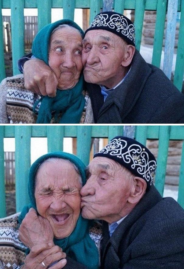 Пожилая пара из российской деревни Халилово, которая находится в Оренбургской области: 65 лет счастливого брака. И посмотрите на их лица. Они все еще влюблены друг в друга