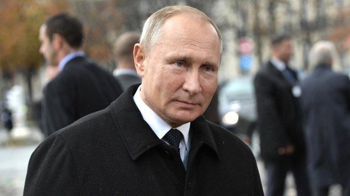 Владимир Путин прилетел в Си…