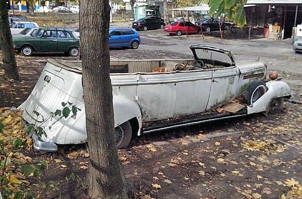 Машины-«зомби» во дворах Севастополя. Госавтоинспекции до лампочки?