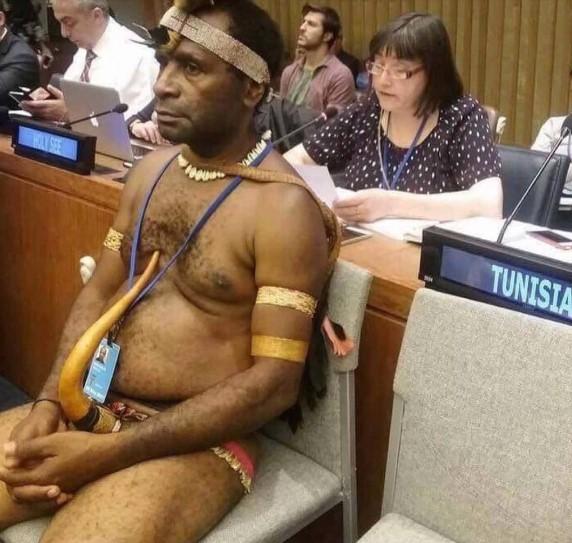 Посол-папуас пришел на саммит ООН без трусов