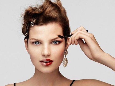 Как выглядеть безупречно в течении всего дня? Открываем секреты свежего макияжа