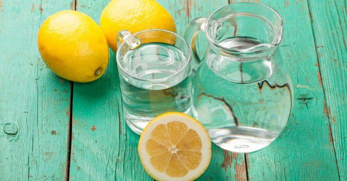 Пейте воду с лимоном вместо таблеток для лечения этих 13 проблем со здоровьем!