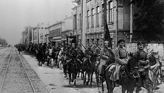 Красная Армия вторглась на У…