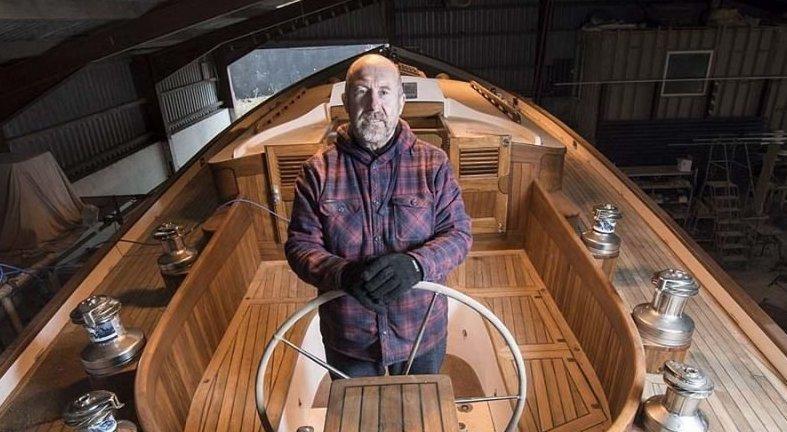 Он продал всё, чтобы построить яхту своей мечты