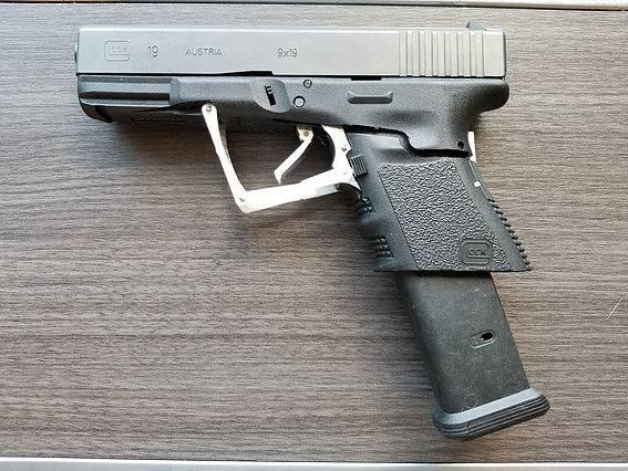 Раскладной пистолет M3 Glock 19 и его прародитель