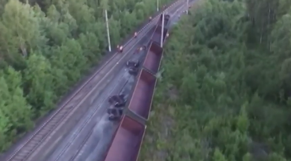 Правоохранительные органы выясняют причины крушения поезда в Карелии