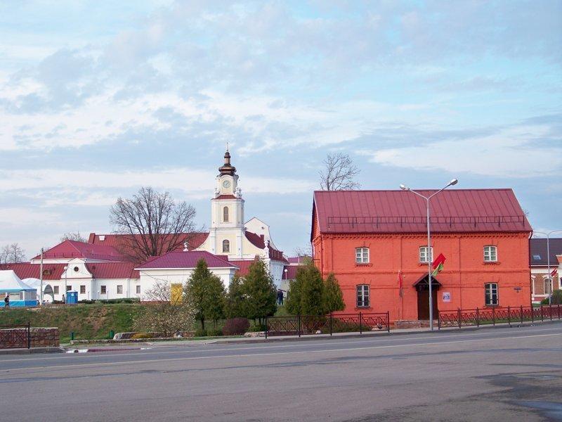 В центре несколько исторических зданий Орша, беларусы, длиннопост, красивые города, лукашенко, путешествия